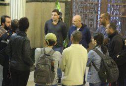 Servidores já haviam se dirigido ao Paço Municipal, junto com o Sindserv, para mostrar os problemas do Almoxarifado