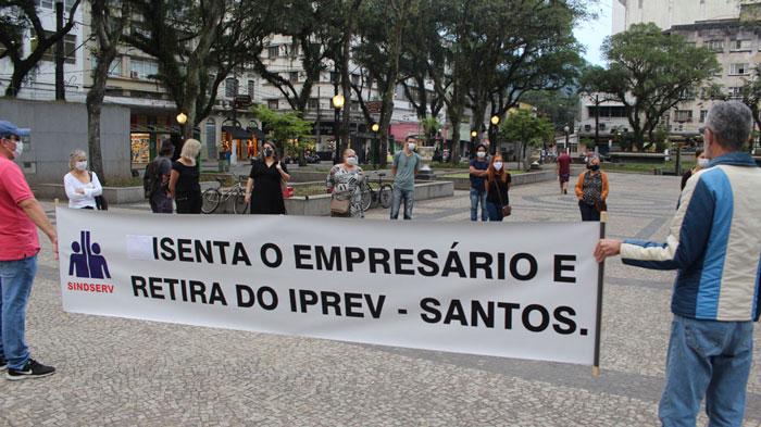 Foto do ato contra o calote ao IPREV