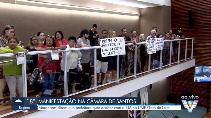 Imagem da reportagem da TV Tribuna ao vivo na Câmara dos Vereadores